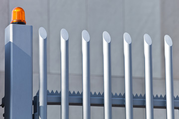Zaun mit Alarmanlage - Sicherheit