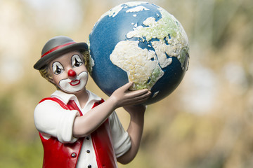 Clown mit Erde