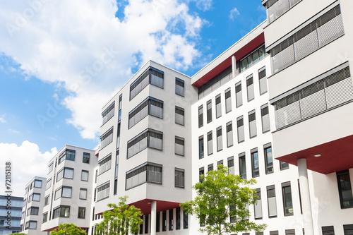 Leinwanddruck Bild Haus in Deutschland - Bürogebäude