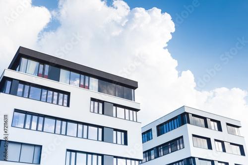 Leinwandbild Motiv Bürogebäude - Büro in Deutschland