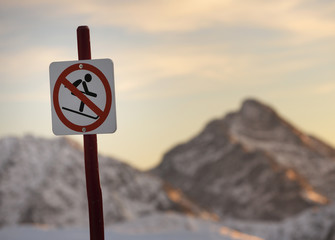 skiers sign
