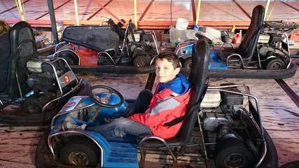 Enfant dans karting