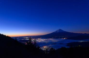 Lakeside of Kawaguchi and Mt.Fuji at dawn