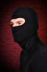 robber  in mask