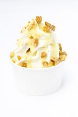 Frozen Yoghurt Walnuss