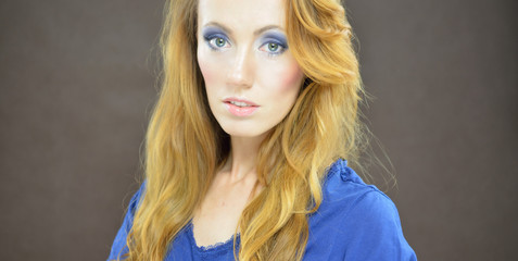 Bright blue eyes makeup