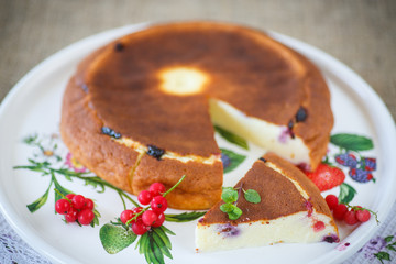 curd pudding with berries