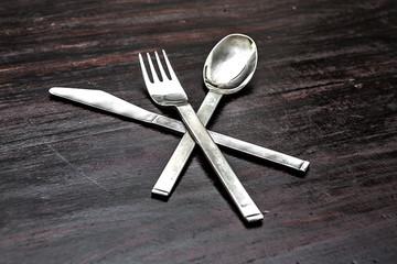 coltello forchetta cucchiaio