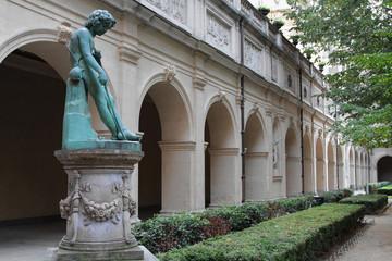 Les jardins du Palais Saint-Pierre (Musée des Beaux-arts)