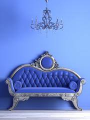 Blauer Salon mit antikem Sofa