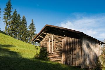 Hütte aus Holz im Allgäu