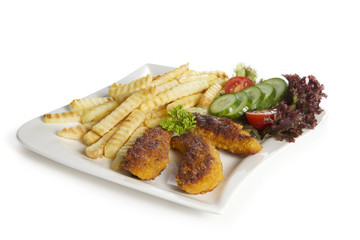Hähnchenfilet mit Pommes und Salat