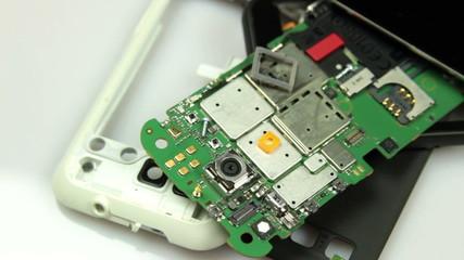 dismantle smartphone