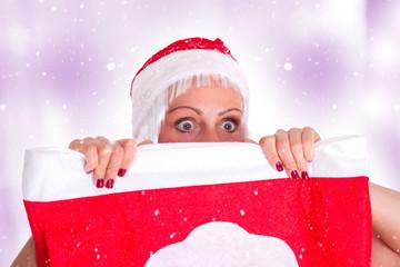 neugierige Weihnachtsfrau ...
