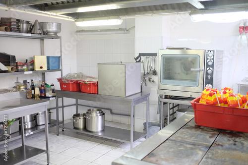 kitchen in a restaurant - 72164111