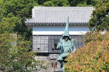 熊本城 馬具櫓と加藤清正の銅像