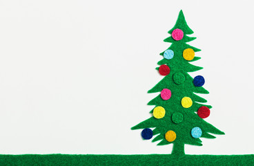 Christmas tree with balls made ​​of felt