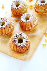 fruitcake with raisin