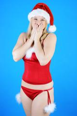 Frau in Unterwäsche zu Weihnachten und Nikolaus