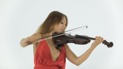 Violinist emotionally plays on her musical instrument