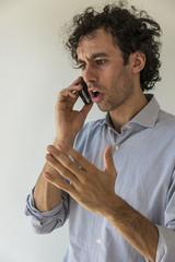 arrabbiato al telefono