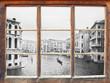 Leinwanddruck Bild - Blick durchs Fenster - Venedig
