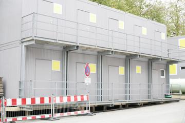 Baucontainer seitlich