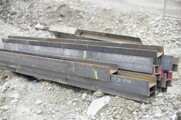 mehrere Stahlträger