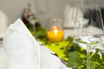 Glas Wein Kerze Grün Liebe Romantik Glamour