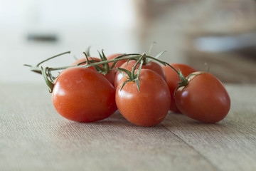 red tomatoes with stalks