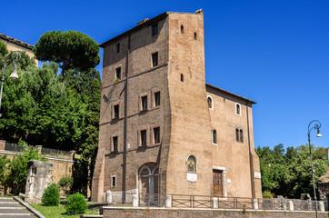 Roma, Casa e torre dei Pierleoni