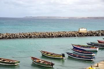 Bateaux à santa Maria, île de sal (Cap-vert)