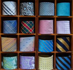 cravatte arrotolate