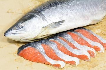 新巻鮭一匹と切り身
