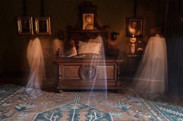 Halloween Ghost scary spooky girl