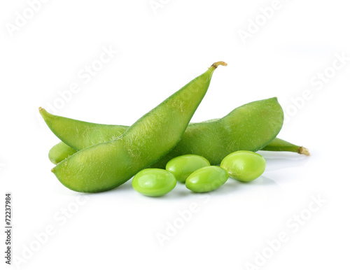 In de dag Aromatische green soybeans on white background