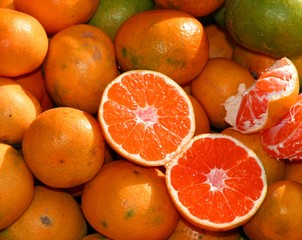 Seedless ripe Orange for sale at market