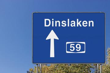 Wegweiser auf A 59, Richtung Dinslaken