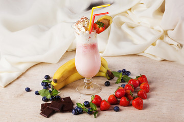 berry milkshake with the ingredients