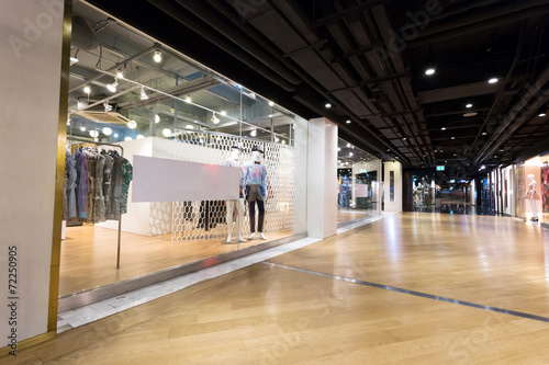 clothing fashion shop exhibition window - 72250905