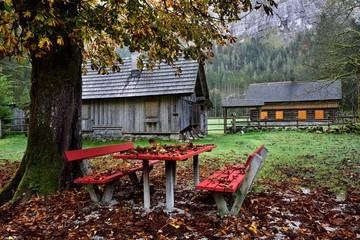 Almhütte im Herbst | Alpen