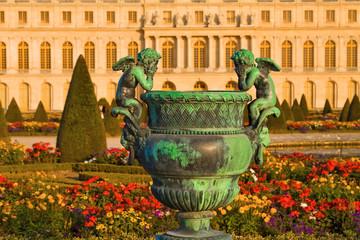 Statue et jardins du château de Versailles