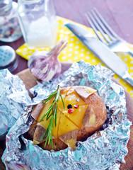 baked potatio in foil