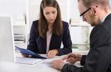 Erfolgreiche Zusammenarbeit unter Männern und Frauen im Beruf