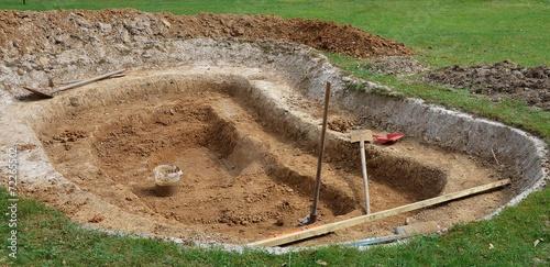 Construction d'un bassin de jardin - 72265502