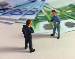 Finance : entretien entre 2 hommes entrepreneurs