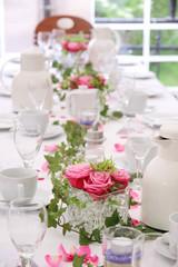 Feierliche Hochzeitstafel