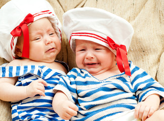two baby cry