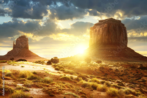 Monument Valley - 72278781