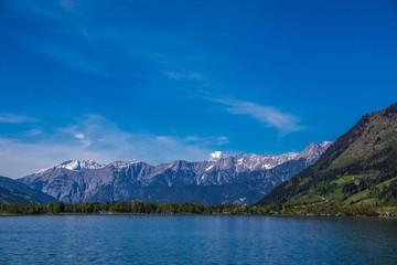 Zeller See in Österreich mit Alpenpanorama